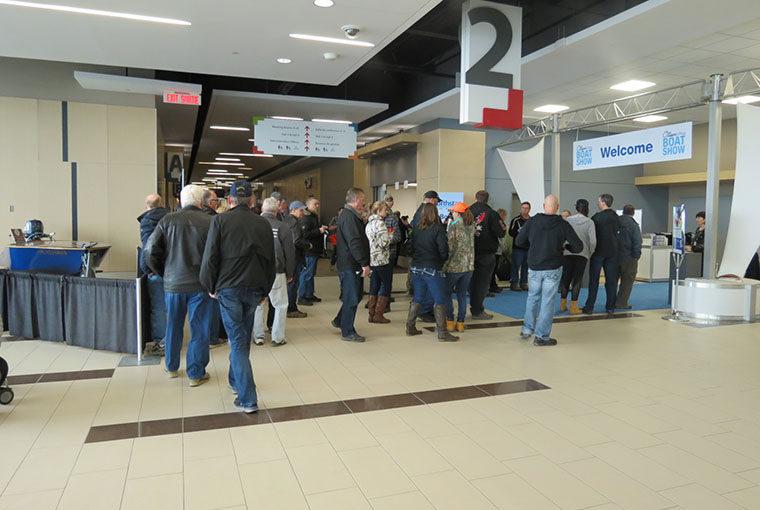 ottawa boat show - crowd