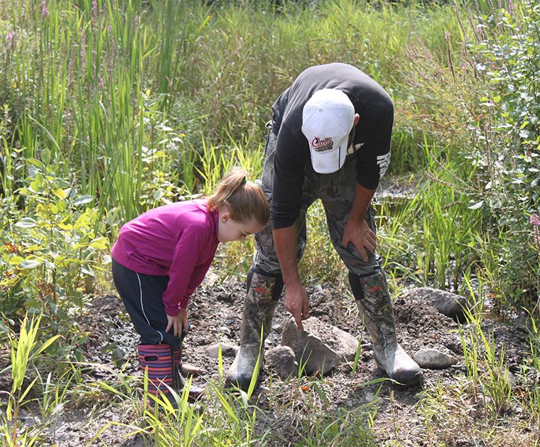 kids hunting scouting